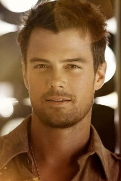 Josh Duhamel, his face suggests that he knows he's sexy