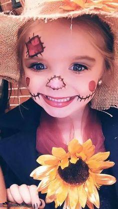 Scarecrow Face Paint, Scarecrow Halloween Makeup, Halloween Bebes, Halloween Costumes Scarecrow, Halloween Scarecrow, Fete Halloween, Halloween Costume Contest, Halloween Makeup For Kids, Halloween Diy