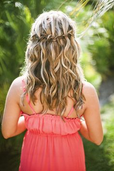 #hairstyles Photography by heatherpaynephotography.com  Read more - http://www.stylemepretty.com/2012/09/05/beach-wedding-on-pawleys-island-from-heather-payne-photography/