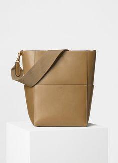 Sangle Shoulder Bag in Natural Calfskin - セリーヌについて