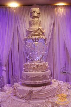 shakeology mug cake Big Wedding Cakes, Amazing Wedding Cakes, Wedding Cakes With Cupcakes, Elegant Wedding Cakes, Elegant Cakes, Wedding Cake Designs, Cupcake Cakes, Amazing Cakes, Pretty Cakes
