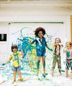 A photoshoot with paint! Would be so fun!