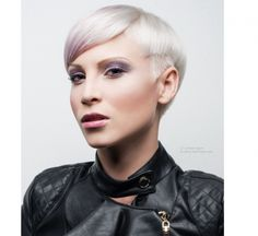 Krótkie fryzury damskie - nowoczesne i bardzo kobiece - Strona 10 Pixie Cut, Vogue, Short Hair Styles, Pearl Earrings, Fashion, Short Hairstyles, Profile, Hairstyles 2018, New Hairstyles