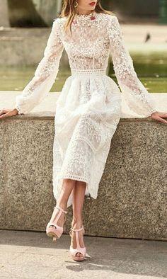 Prom Dresses Chic Evening Dress Beautiful Evening Dress Source by unknownuseron Beautiful Prom Dresses, Elegant Dresses, Pretty Dresses, Elegant White Dress, Dress Vestidos, Look Fashion, Feminine Fashion, Classy Fashion, Fashion 2018