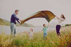 family w/ blanket. Simplicity Photography