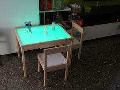 Ikea Montessori, Reggio Emilia, Ping Pong Table, Ikea Hack, Light Table, Drafting Desk, Ideas Para, Playroom, Diy Furniture