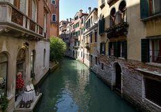 Velence csatorna részlet Venice Italy