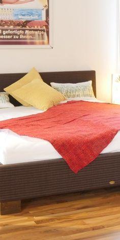 matratze gegen r ckenschmerzen beim liegen betten. Black Bedroom Furniture Sets. Home Design Ideas
