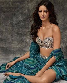 Indian Bollywood Actress, Indian Actress Hot Pics, Bollywood Actress Hot Photos, Bollywood Girls, Beautiful Bollywood Actress, Most Beautiful Indian Actress, Bollywood Fashion, Indian Actresses, Bollywood Style