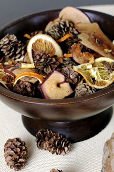 Bring the sights and smells of autumn indoors with DIY Fall Potpourri from All Things G&D How To Make Potpourri, Fall Potpourri, Homemade Potpourri, Homemade Gifts, House Smell Good, House Smells, Fall Smells, Autumn Decorating, Dried Fruit
