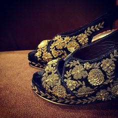 Our Pre Curated Gallery of Latest designer wedding Shoes for Indian Brides. We have stunning Stilettos for Every Bride. You will find your perfect fit. Bridal Wedges, Bridal Sandals, Bridal Shoes, Designer Wedding Shoes, Dream Wedding, Wedding Dress, Indian Wear, Cute Shoes, Design Trends