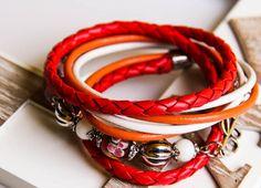 Leder und Perlen Wickelarmband von Bling-Bling Boutique auf DaWanda.com