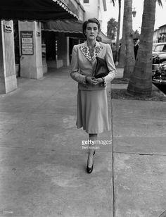 News Photo : Countess von Haugwitz-Reventlow walks on Worth...