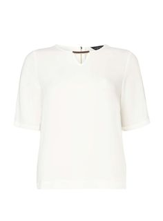 Dorothy Perkins Womens Ivory Metal Bar T-Shirt- White DP05680322 Ivory t-shirt with metal bar front detail. Wearing length is approximately 63cm. 98% Cotton, 2% Elastane. Machine washable. http://www.MightGet.com/april-2017-1/dorothy-perkins-womens-ivory-metal-bar-t-shirt-white-dp05680322.asp