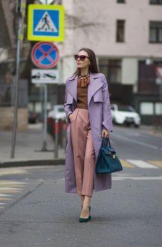 Lilás: Vinte e Cinco Looks para se Inspirar - moda aşkdır Look Fashion, Spring Fashion, Winter Fashion, Fashion Outfits, Womens Fashion, Fashion Tips, Color Blocking Outfits, Colourful Outfits, Colorful Fashion