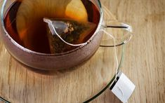 Used Tea Bags, Brewing Tea, Cooking Oil, Cooking Bacon, Green Bag, Drinking Tea, Home Remedies, Natural Remedies, Reuse