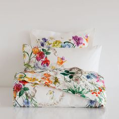 Zara Home Floral Garden Bloom Botanical Watercolor Illustration tropical birds flowers vintage print MULTICOLOR FLORAL-PRINT PERCALE BEDDING