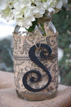 Decorative Burlap Mason gallon Jars by THE JAR JUNKIE. Perfect for weddings centerpieces, hanging jars, home decor or friend gifts. Gallon Mason Jars, Pot Mason, Mason Jar Crafts, Lace Mason Jars, Mason Jar Centerpieces, Wedding Centerpieces, Sunflower Centerpieces, Fall Wedding, Our Wedding