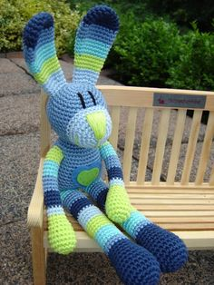 Henry, crochet Bunny ♥ Crochet Geek, Crochet Humor, Crochet Amigurumi, Crochet Cross, Crochet For Boys, Love Crochet, Amigurumi Patterns, Crochet Baby, Knit Crochet