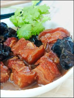 KitchenTigress: Pork Belly Braised with Red Fermented Beancurd
