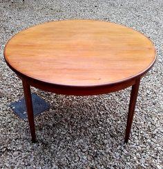 G-Plan Fresco Circular Extending Dining Table