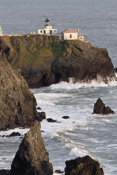 ✯ Point Bonita Lighthouse - CA. Been there - very beautiful area.