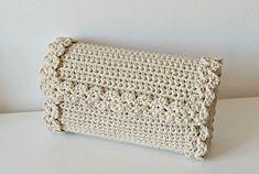 Crochet Pattern Crochet Bag Pattern Tote Pattern by isWoolish Crochet Baby Dress Pattern, Crochet Purse Patterns, Bag Crochet, Crochet Shell Stitch, Crochet Clutch, Crochet Handbags, Tote Pattern, Crochet Purses, Crochet Lace