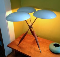 Tripod lamp by Gerald Thurston for Lightolier c. Brass, walnut, and enameled steel. This lamp has been in my personal collection for over 25 years. Mid Century Modern Lighting, Mid Century Modern Decor, Mid Century Modern Furniture, Mid Century Design, Midcentury Modern, Art Deco, Art Nouveau, Lampe Retro, Colani