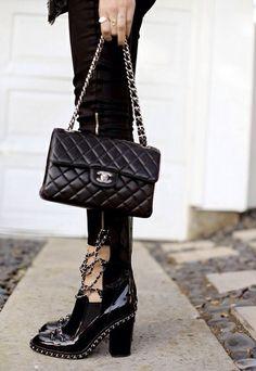 Les boots Chanel, plus désirables que les Buckles Balenciaga ?