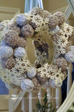 Новогодние венки из клубков (подборка) / Праздничный декор / Модный сайт о стильной переделке одежды и интерьера