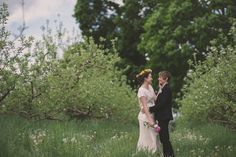 DIY Budget-friendly Barn Wedding   Love and Perry Photography