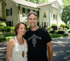 """American Pickers"" star Mike Wolfe and his wife Elvis Presley Graceland, American Pickers, Celebs, Celebrities, Picture Show, Memphis, Favorite Tv Shows, Just Love, Plinko Board"