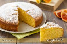 Pan d'arancio è un dolce siciliano morbido e goloso a base di arancia veloce e facile. Si utilizza tutta l'arancia, succo e buccia frullata nel mixer.