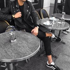 - Gazelle Adidas - Ideas of Gazelle Adidas - Adidas Gazelle Outfit, Adidas Outfit, Best Mens Fashion, Only Fashion, Black Trainers Outfit, Leather Jacket Outfits, American Eagle Men, Running Shoes For Men, Running Clothing