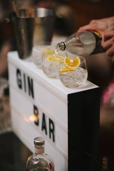 Event styling >>> for loved up couples Diy Party, 50th Party, Gin Festival, Pop Up Bar, Gin Bar, Bar Displays, Catering Display, Kinds Of Salad, Partys
