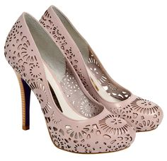 I don't usually, scratch that, I don't ever wear heels, but these are darling and make me want to wear heels.