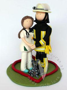 Krankenpflegerin & Feuerwehr Brautpaar mit Katze von www.tortenfiguren.at - Nurse & Fireman Weddingcaketopper