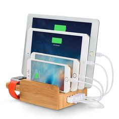 Amazon   Merit 香り竹製のデバイス充電ステーションドック、多功能充電スタンド  スマートフォン タブレット対応 5個USBポート同時充電 、竹製…