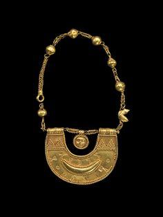 Necklace with amulet of the goddess al-Lat.  Medium: Gold.  Origin: Tamna…