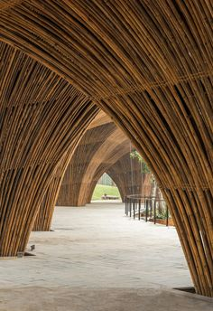 Roc Von Restaurant, Hanoi, Vietnam by Vo Trong Nghia Architects Architecture Durable, Bamboo Architecture, Creative Architecture, Stairs Architecture, Sustainable Architecture, Architecture Details, Bamboo House Design, Bamboo Building, Bamboo Structure