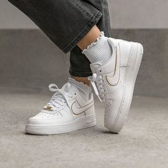 Nike x Olivia Kim Air Force 1 Friends and Family: A Closer Look