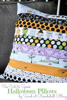 Create a darling Halloween pillow using this simple envelope throw pillow tutorial and Riley Blake's Too Cute to Spook fabric. Create a darling Halloween pillow using this simple envelope throw pillow tutorial and Riley Blake's Too Cute to Spook fabric. Halloween Quilts, Halloween Fabric Crafts, Halloween Sewing Projects, Halloween Pillows, Diy Halloween Decorations, Halloween Diy, Halloween Mantel, Halloween Tutorial, Halloween Tricks