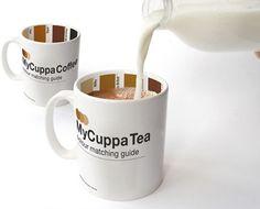 Interessante. Essa caneca indica a mistura ideal de café ou chá com leite para cada gosto, baseado nas guias de cores impressas na face interna.