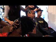 Découvrez notre salon de coiffure : le Locks, Twists, Tresses Salon, expert en coiffures africaines, à Paris dans le18 ème arrondissement. Vous verrez quelques unes de nos spécialités comme les Dread Locks, tissages, extensions, tresses ... sur tous types de cheveux : afro, métisses, frisés et européens.     Retrouvez nous sur notre site pour plus d'informations : http://www.coiffurelocks.com/locks-twists-tresses-salon.html