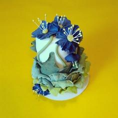 Blue Flower Mini Cake Cake Decorating, Decorating Ideas, Mini Cakes, Blue Flowers, Lion Sculpture, Kochen, Room Decorations, Centerpiece Ideas