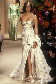 Yves Saint Laurent, Spring-Summer 1995, Couture | Etienne Tordoir - Europeana Collections Fashion Week, 90s Fashion, Runway Fashion, Fashion Models, Fashion Show, Vintage Fashion, Fashion Outfits, Fashion Design, Space Fashion