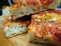 Pizza con idratazione all' 800%. Una pizza con una elevata idratazione che la renderà leggera, soffice e molto digeribile