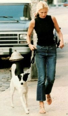 Perfect sandals and knit top. Carolyn Bessette Kennedy.