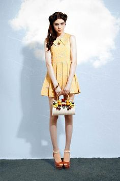 97 mejores imágenes de Yellow dress  0a665ff99fd