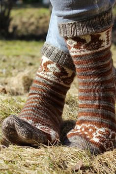 The squirrel socks by Pinneguri